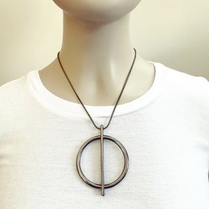 Chic gunmetal circle pendant bolo necklace